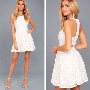 NEW Lulus Daisy Date White Lace Skater Dress, size